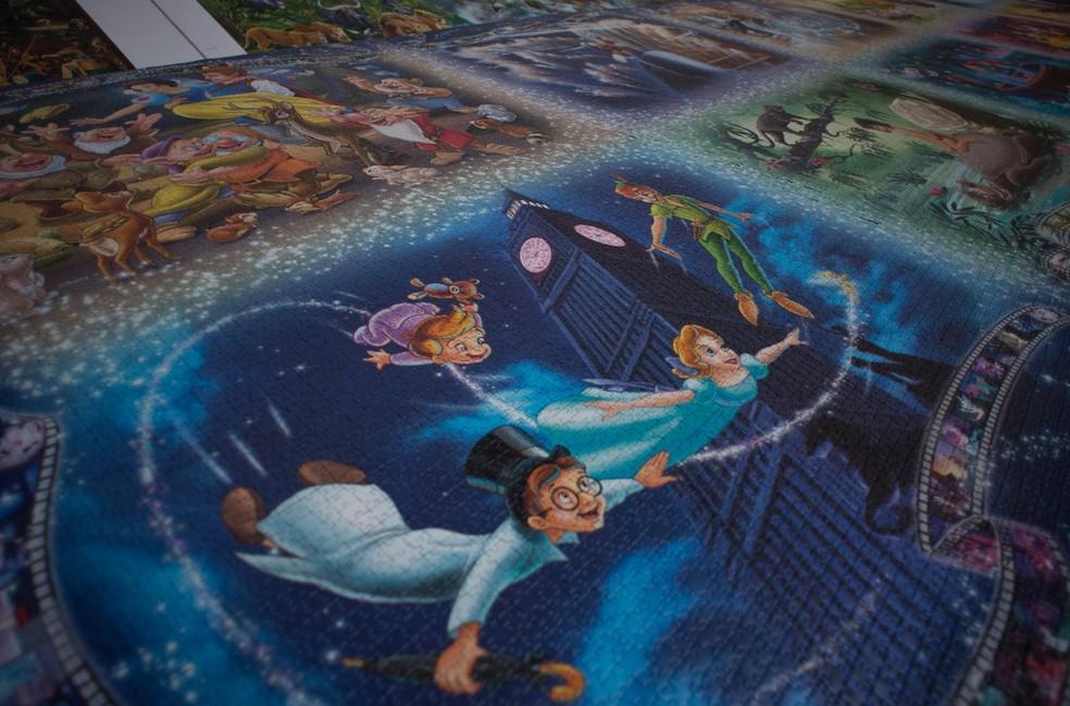 Quebra-cabeça mostra momentos inesquecíveis da animações da Disney e levou 48 horas para ser montado (Foto: Jorge Guerrero/AFP)