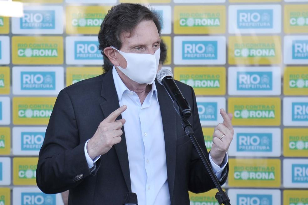 Marcelo Crivella em coletiva sobre volta do Campeonato Carioca — Foto: Saulo Angelo/Futura Press