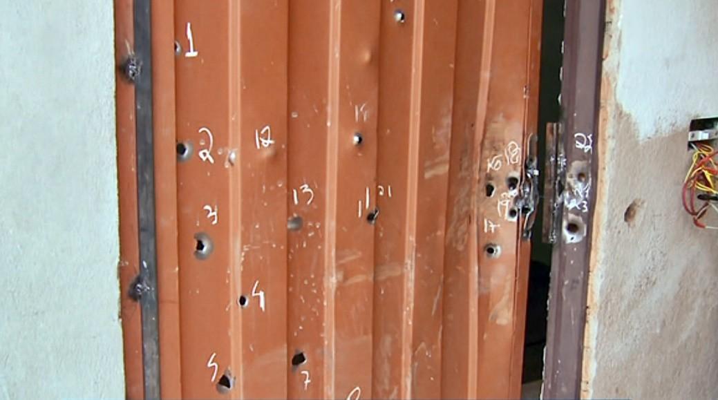 Polícia teria atirado mais de 50 vezes contra casa de idoso morto em MG, aponta perícia