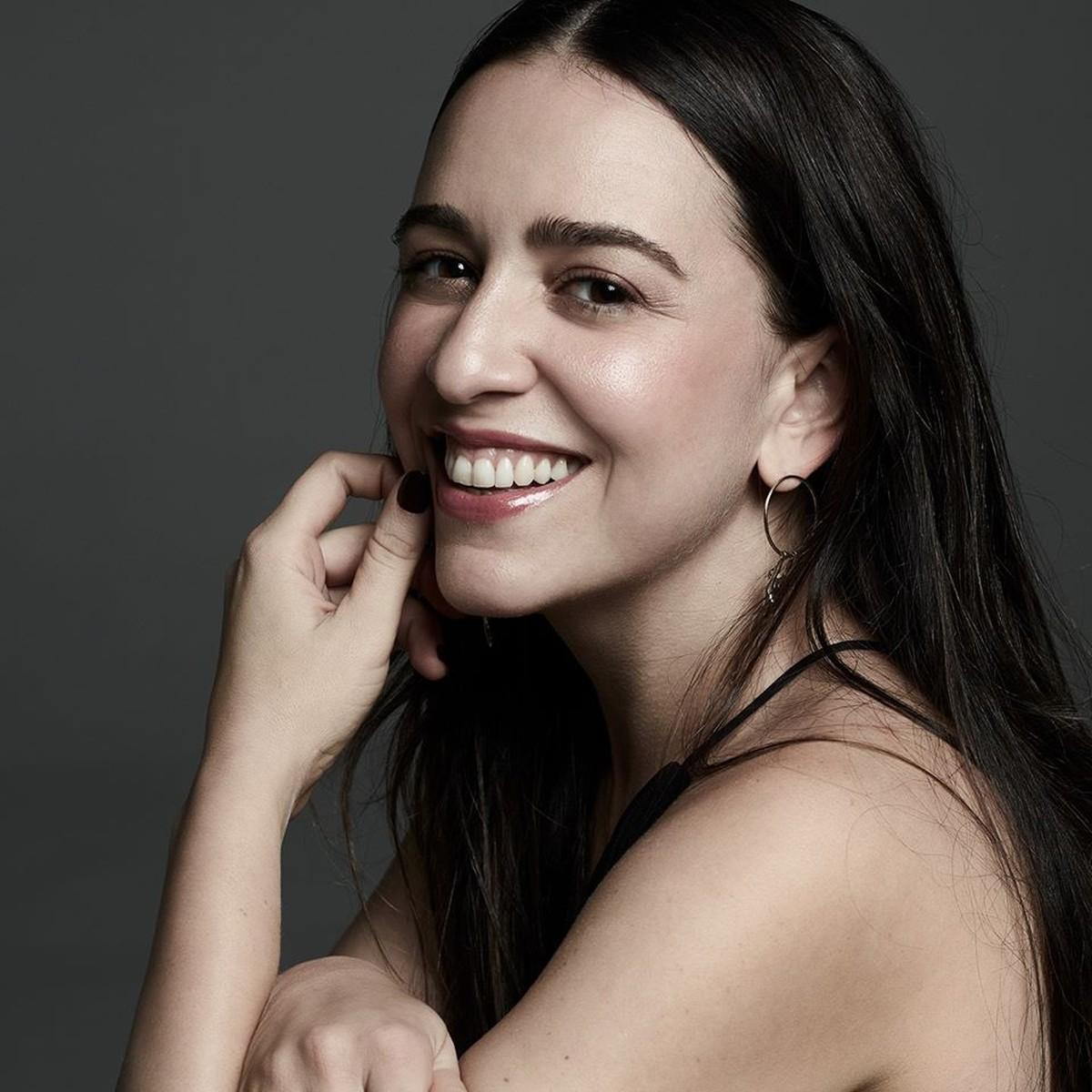 Roberta Sá rebobina discografia em série de lives com bases originais dos álbuns | Blog do Mauro Ferreira