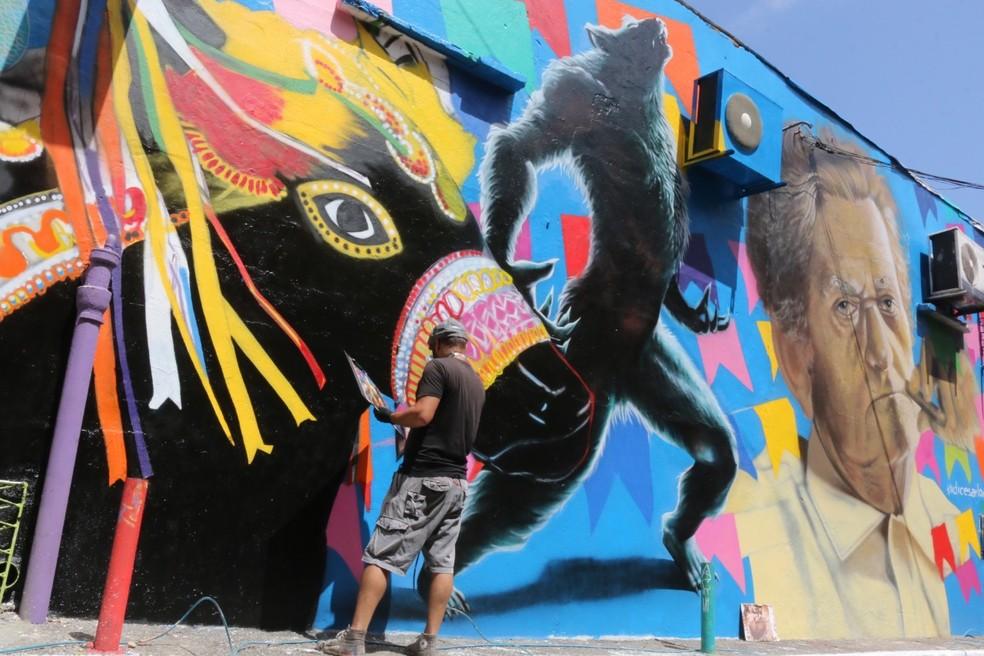 O Beco da Lama se transforma: de área degradada a galeria de arte urbana e ponto de atração de turistas — Foto: Alex Régis/Prefeitura de Natal