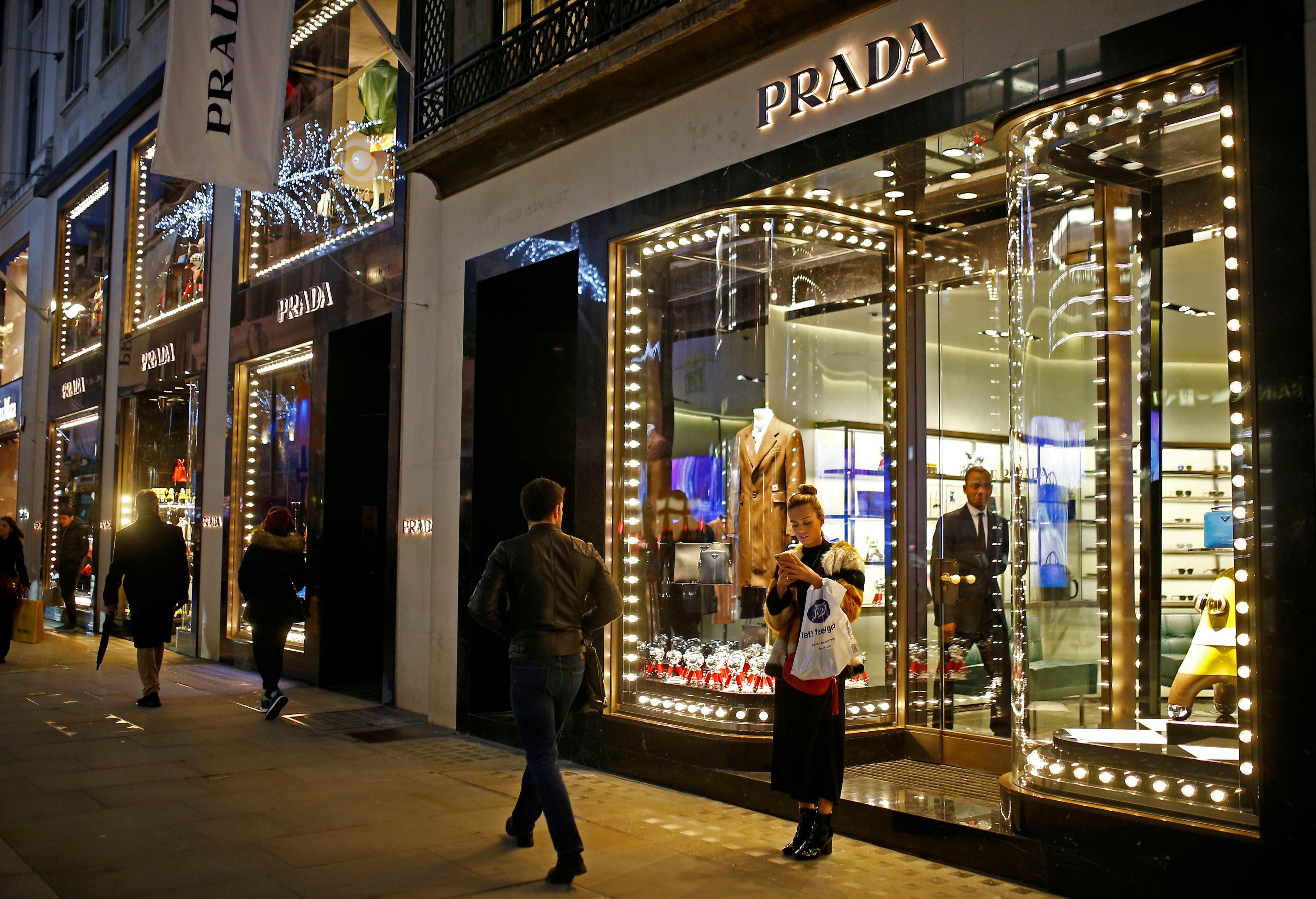Grife Prada vai deixar de vender roupas com peles de animais - Noticias
