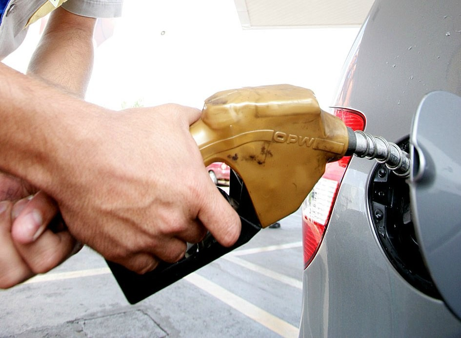 Aumento nos preços do gás de cozinha e dos combustíveis preocupa trabalhadores e donas de casa, em Caruaru