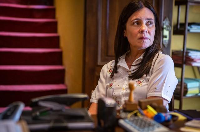 """Adriana Esteves é Thelma em """"Avenida Brasil&squot; (Foto: Reprodução)"""