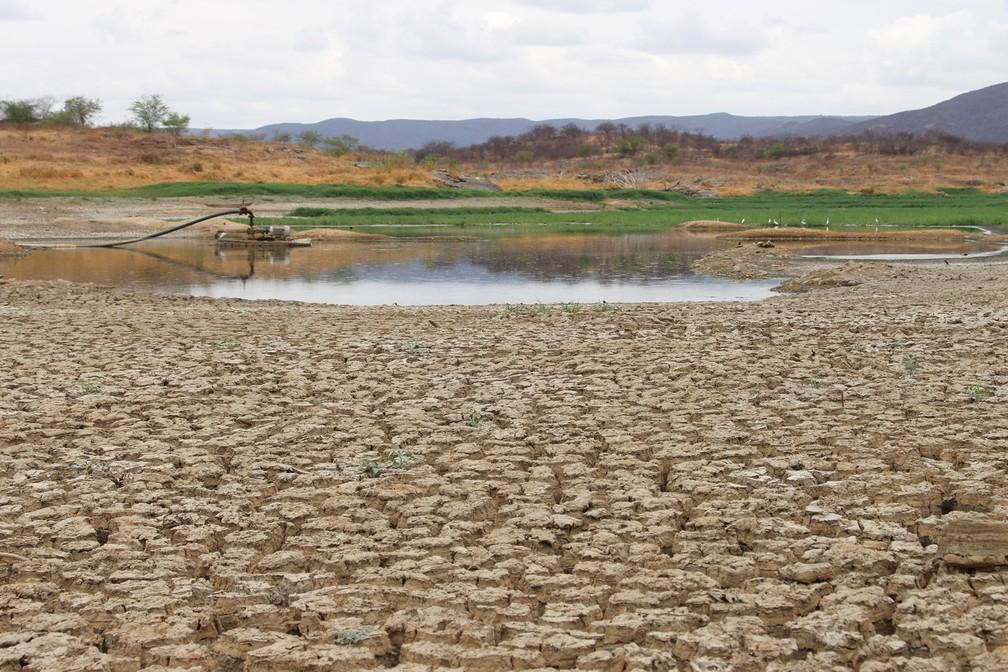 Açude praticamente seco no Rio Grande do norte em dezembro de 2017 (Foto: Anderson Barbosa/G1)