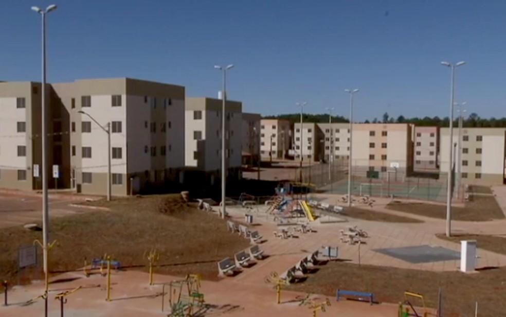 Prédios do condomínio Paranoá Parque, no DF (Foto: TV Globo/Reprodução)