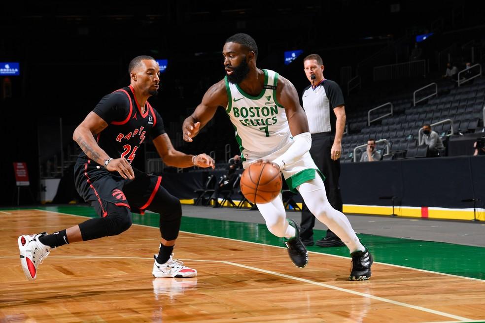 Kemba Walker foi também um dos destaques dos Celtics — Foto:  Brian Babineau / Getty Images