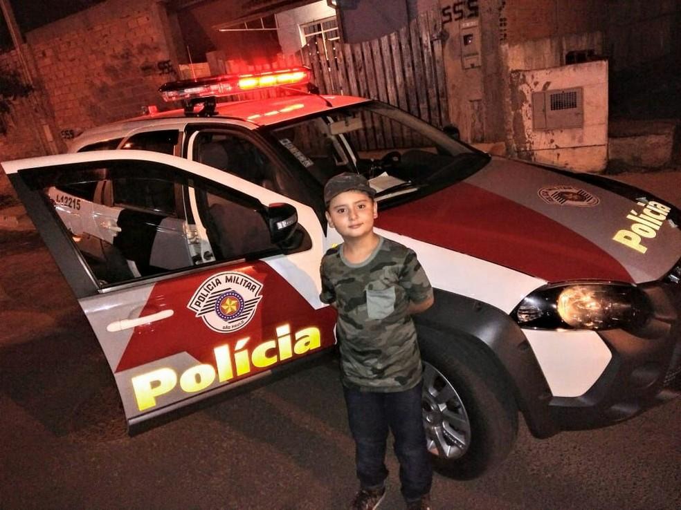 Felipe sonha em ser policial militar quando crescer  (Foto: Carine Margarette Alves / Arquivo pessoal )