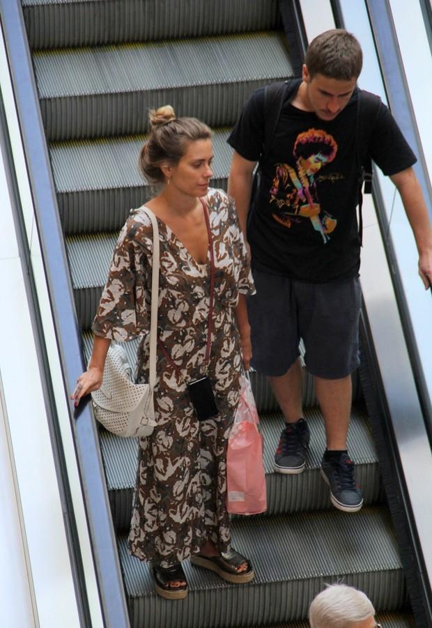 Carolina Dieckmann e o primogênito, Davi Frota (Foto: Jose Humberto / AgNews)