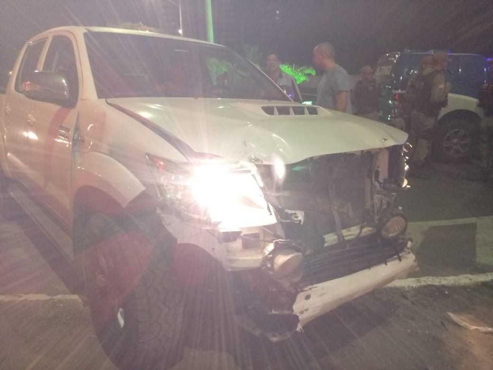 Motorista da Hilux foi levado a delegacia para prestar depoimento (Foto: Divulgação/Corpo de Bombeiros)