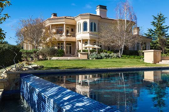 Britney Spears compra casa avaliada em R$ 27 milhões - ÉPOCA | Bruno Astuto