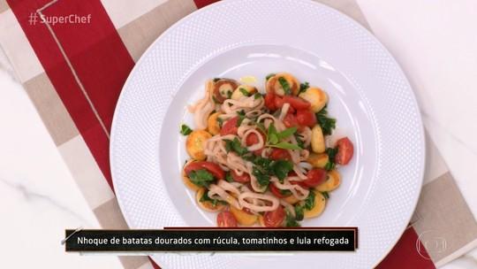 Nhoque de Batatas Douradas com Rúcula, Tomatinhos e Lula Refogada