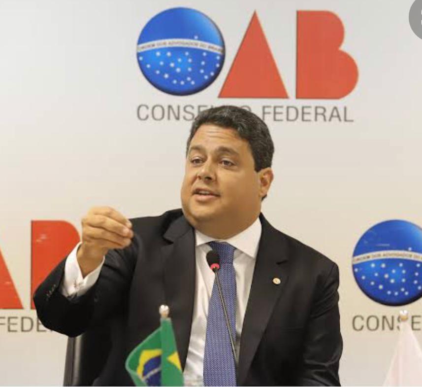 Presidente da OAB Nacional, Felipe Santa Cruz  decide abrir nova licitação para executar futuras provas da instituição