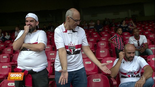 Deficiente auditivo acompanha empate do São Paulo contra o Bahia