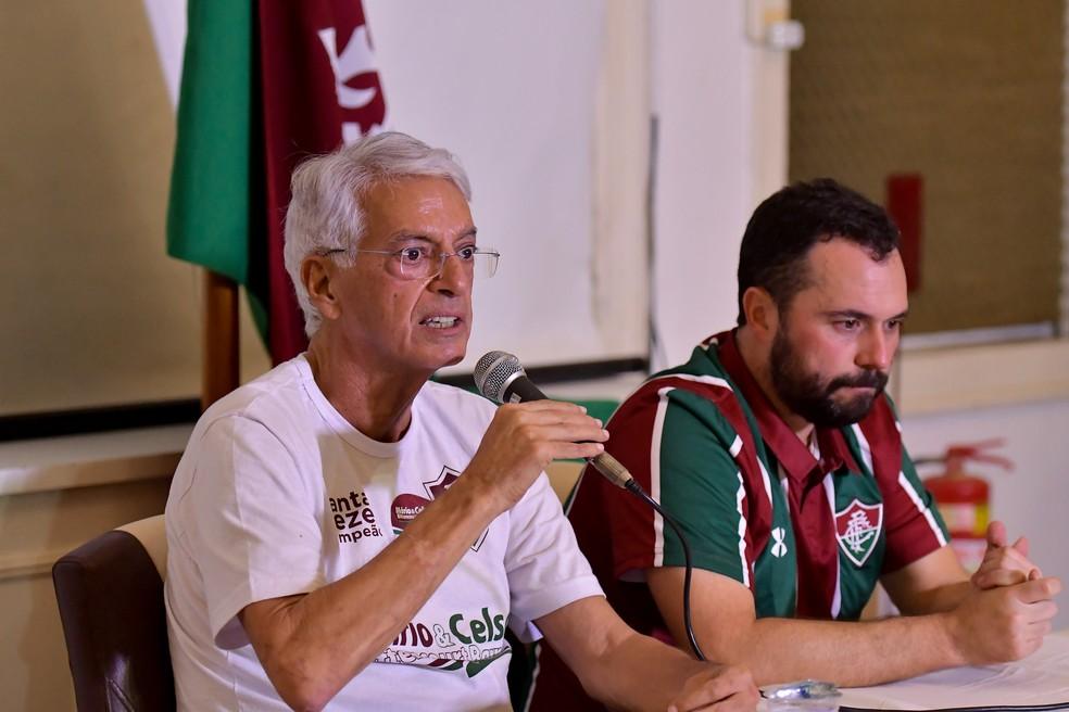 Celso Barros fala durante a coletiva de Mário Bittencourt — Foto: Thiago Ribeiro