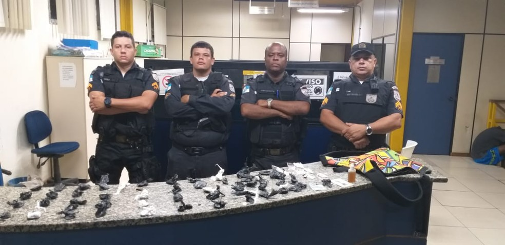 Deficiente auditivo é preso por tráfico de drogas em Três Rios — Foto: Divulgação/PM