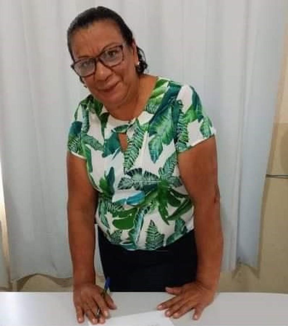 Eloíde era professora em Poconé (MT) e adiava a aposentadoria para não deixar de lecionar — Foto: Arquivo pessoal