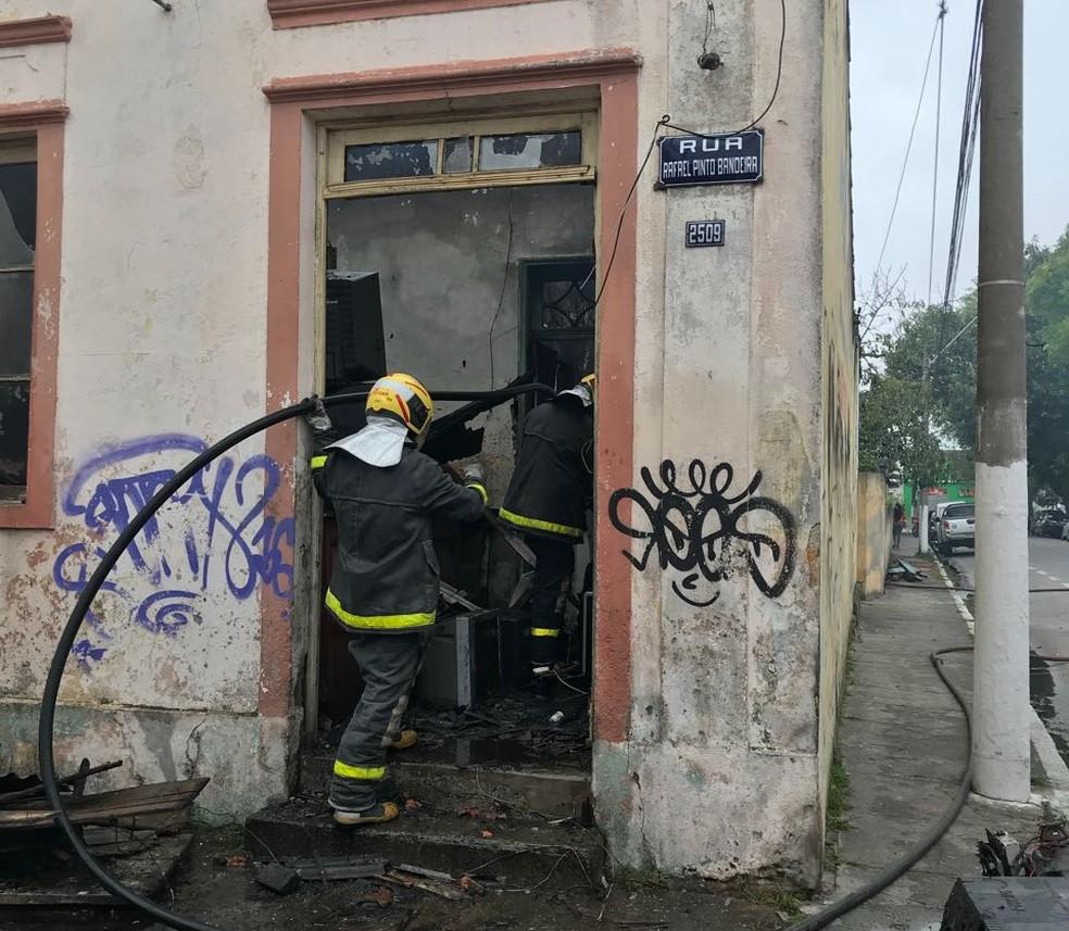 Apesar do susto, ninguém ficou ferido (Foto: Patrícia Porciúncula/RBS TV)
