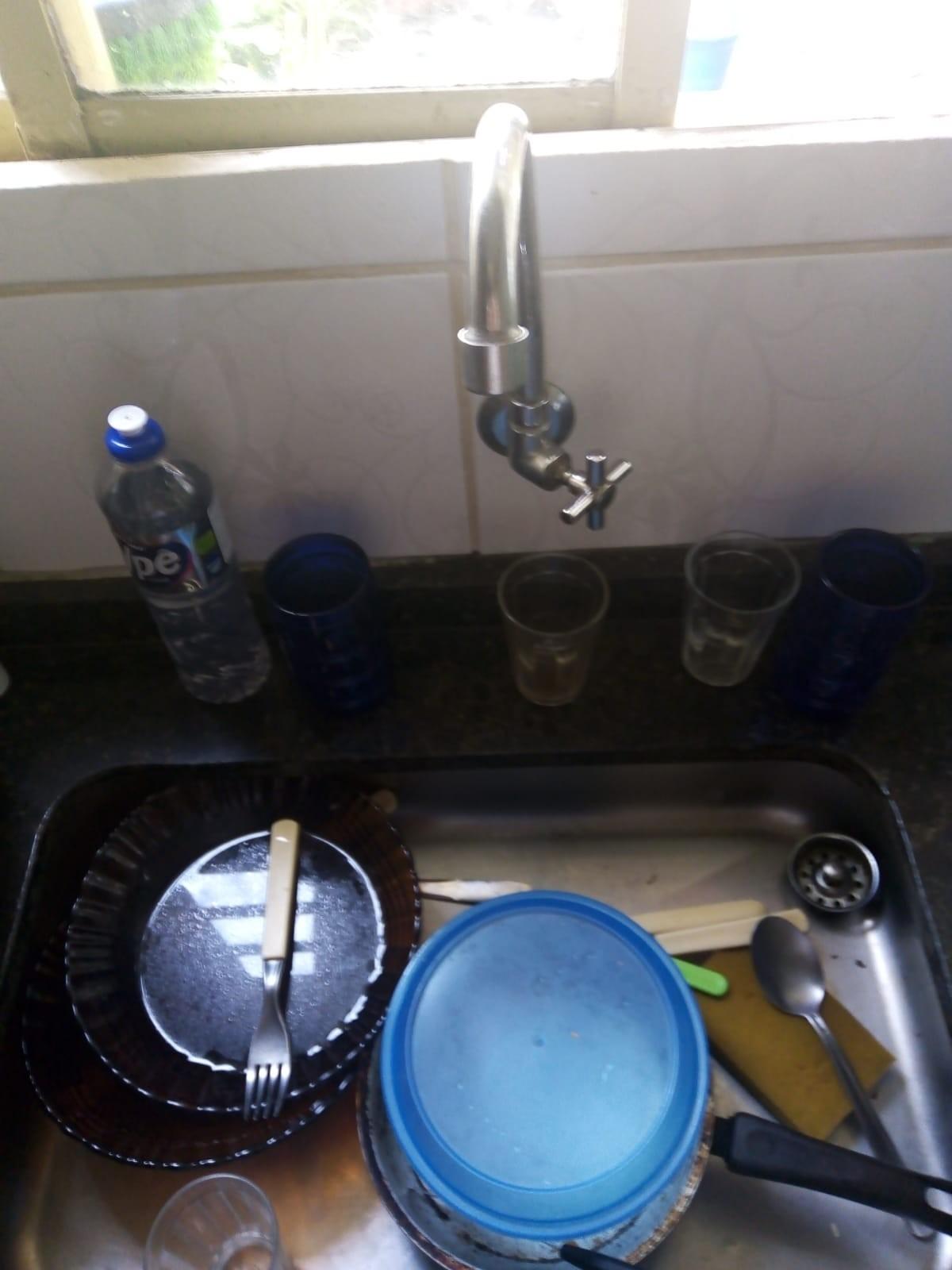 Moradores da região do Putim, em São José, enfrentam falta de água