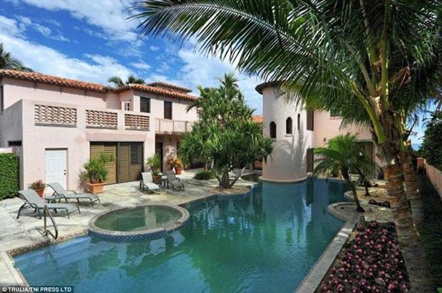 Nova casa de Bon Jovi na Flórida tem piscina particular (Foto: Trulia / TNI Press LTD / Reprodução)