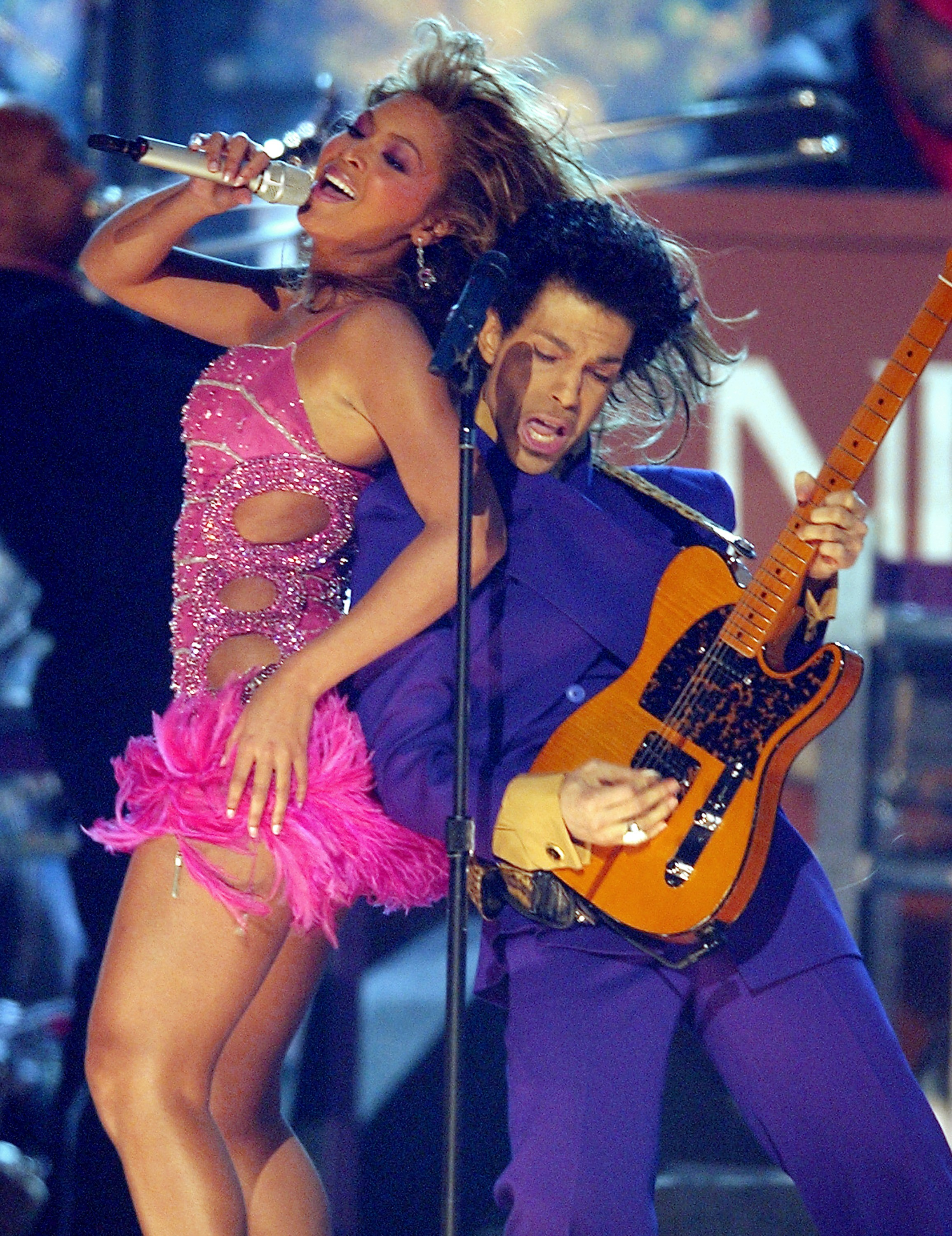 Prince and Beyonce perform a medly of his hits (Photo by Michael Caulfield/WireImage) (Foto: WireImage)