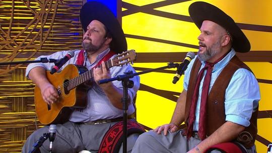 César Oliveira e Rogério Melo cantam 'Machaço Confronto' com exclusividade para o site do 'Galpão Crioulo'