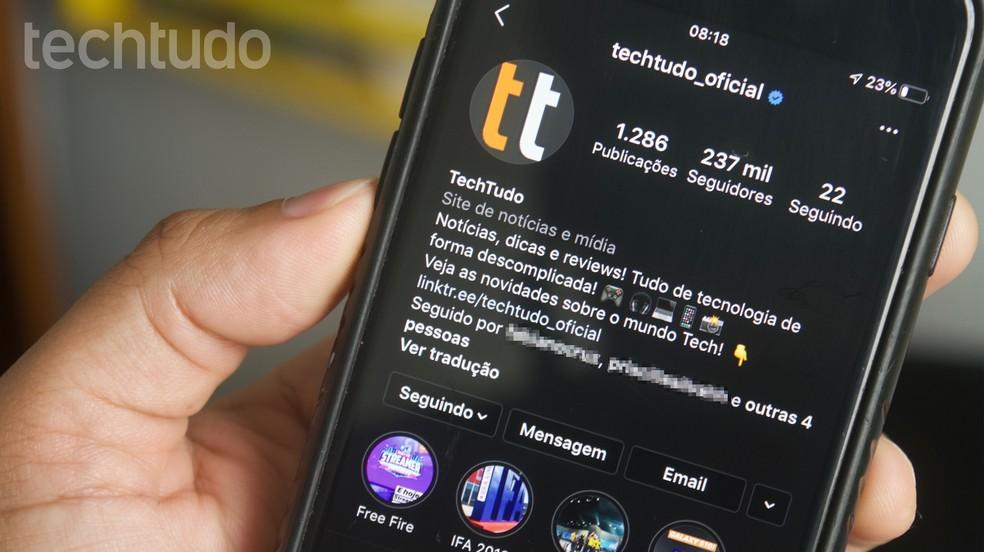 Mais do que moda, tema escuro também é funcional: medida diminui consumo de energia em celulares com tela OLED — Foto: Marvin Costa/TechTudo