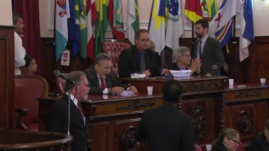 Câmara Municipal de Niterói rejeita pedido de impeachment contra Rodrigo Neves