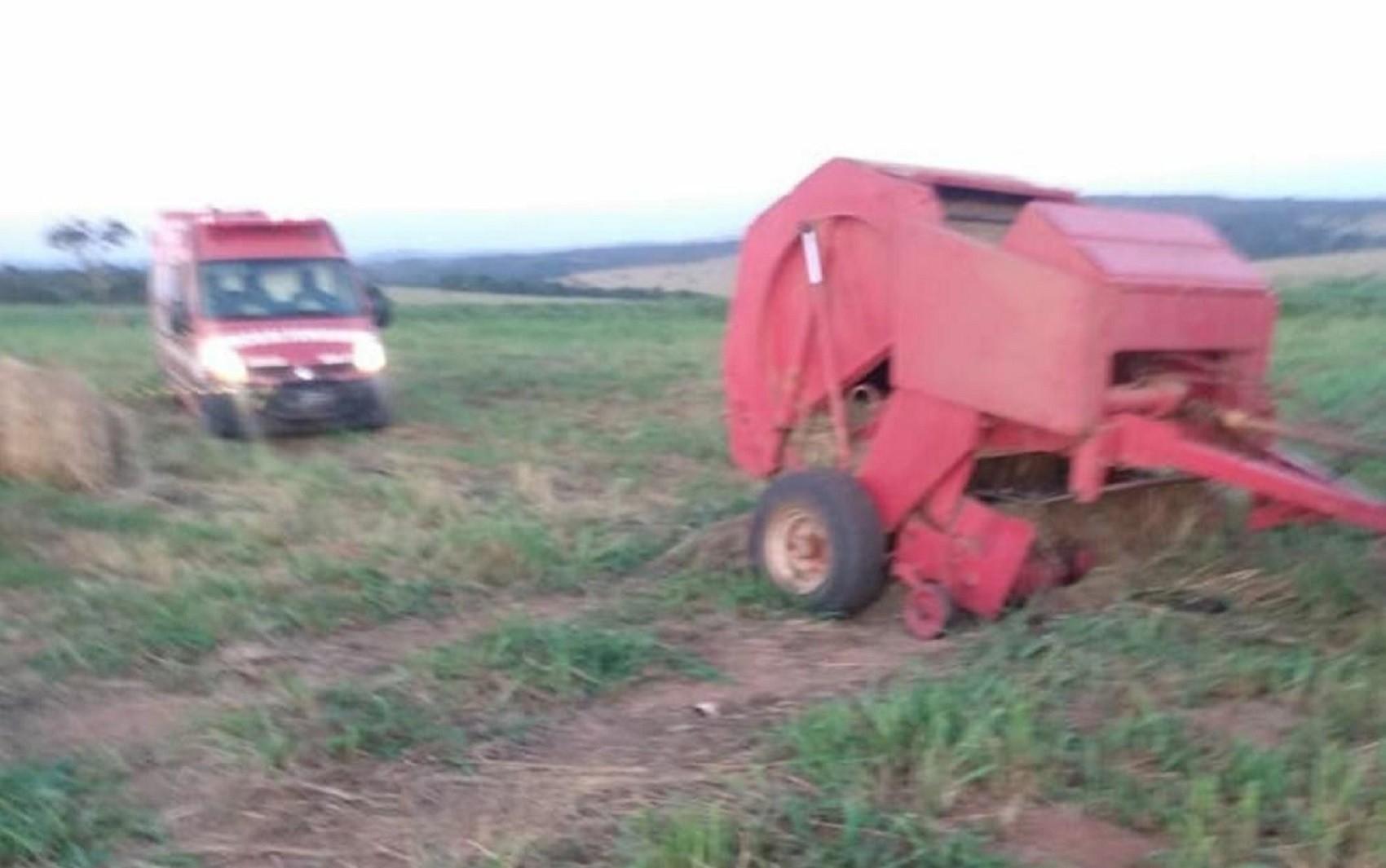 Homem morre prensado após cair dentro de máquina durante o trabalho em Silvânia, dizem bombeiros