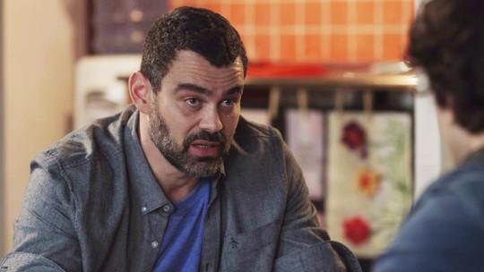 Rafael encontra Márcio e Pérola em cativeiro