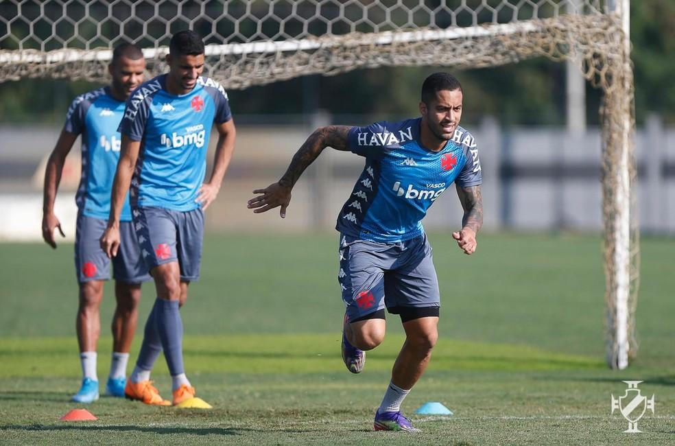 Romulo ainda não conseguiu repetir o nível de atuações que teve em sua primeira passagem pelo Vasco — Foto: Rafael Ribeiro/Vasco