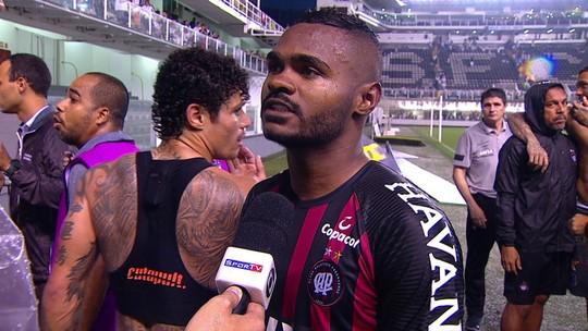 """Nikão diz que o Santos não deve comemorar o gol: """"Foi uma vergonha"""""""