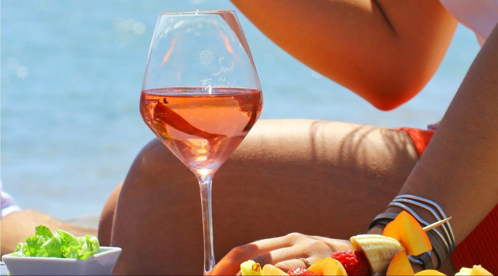 Vinhos rosé combinam bem com o clima deste feriado (Foto: Reprodução)