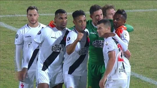 Vasco supera crise e volta do Chile com vaga na Copa Sul-Americana