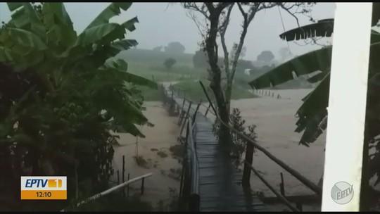 Chuva forte aumenta nível de ribeirão em distrito de Nepomuceno, MG