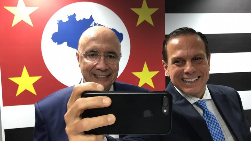Meirelles e Doria tiram selfie no anúncio do ex-ministro para a Secretaria da Fazenda — Foto: Divulgação