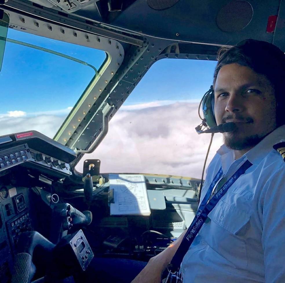 Piloto de avião Antônio Sena conhecido como Toninho Sena — Foto: Reprodução/Redes sociais