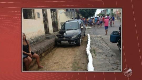 Bebê de um ano e seis meses morre após ser atropelado por carro que invadiu calçada; avó também foi atingida