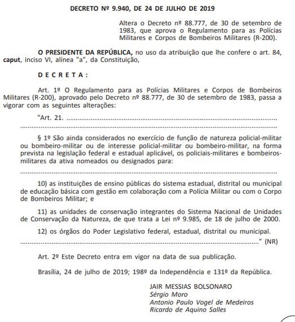 Decreto do presidente Jair Bolsonaro sobre policiais e bombeiros nas escolas cívico-militares — Foto: Reprodução/Diário Oficial da União