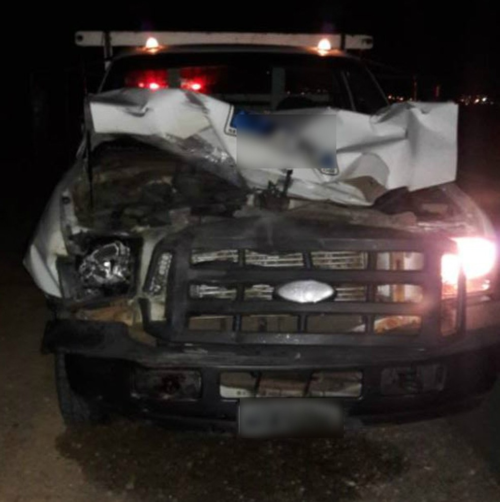 Nenhum dos condutores ficou ferido no acidente (Foto: Polícia Militar/Divulgação)