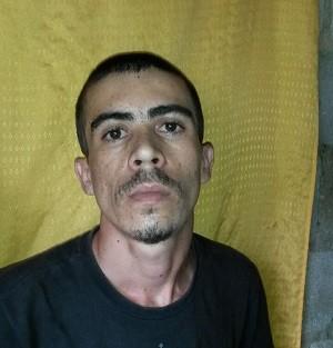 Tatinha foi preso em flagrante no Morro das Cobras (Foto: Divulgação/2º BPM)