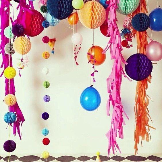 Um cantinho para clicar as fotos dos amigos ajuda a guardar as lembranças da festa (Foto: Pinterest/Reprodução)