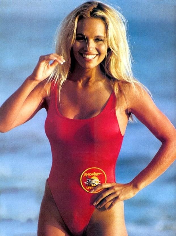 Pamela Anderson em SOS Malibu (Foto: Divulgação)