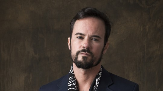 Paulo Vilhena relembra seriado 'Sandy & Junior': 'A gente tem um grupo e se fala diariamente'