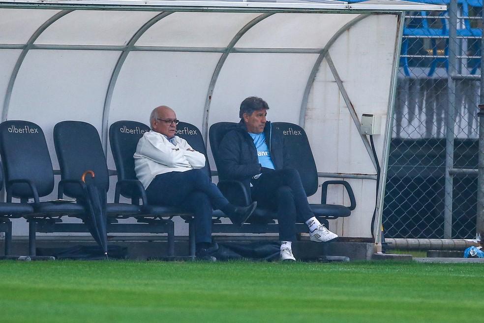 Presidente e treinador terão reunião na volta a Porto Alegre — Foto: Lucas Uebel / Grêmio F.B.P.A.