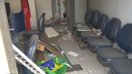 Grupo explode agência e invade correspondente bancário em Caturité, PB