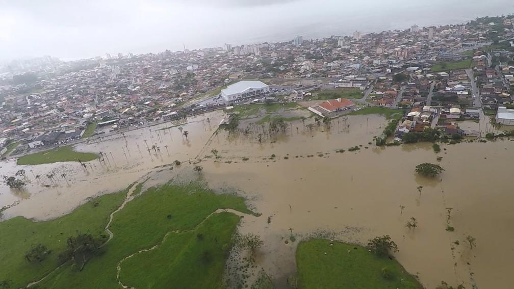 Alagamentos em Porto Belo (Foto: Arcanjo 03/Corpo de Bombeiros)