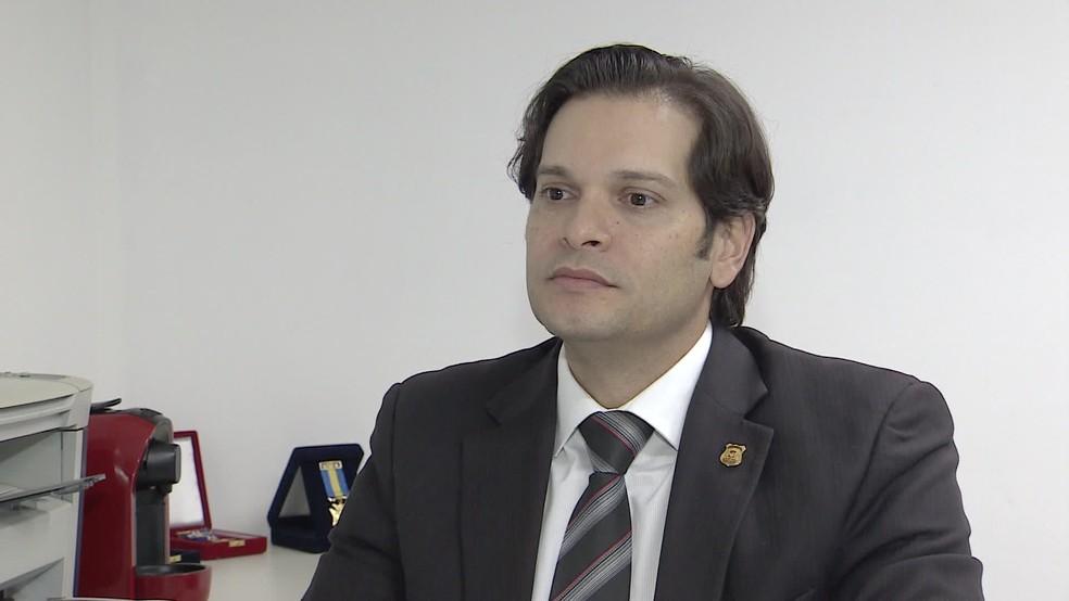 Delegado Eronides Meneses é titular da Delegacia de Crimes Cibernéticos — Foto: Reprodução/TV Globo