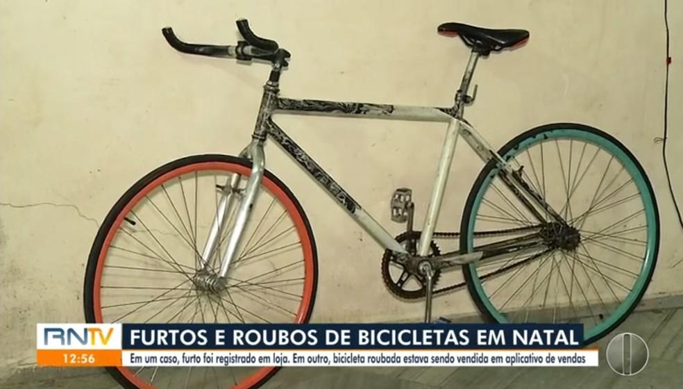 bike2 Homem se passa por cliente e rouba bicicleta de loja em Natal; veja vídeo
