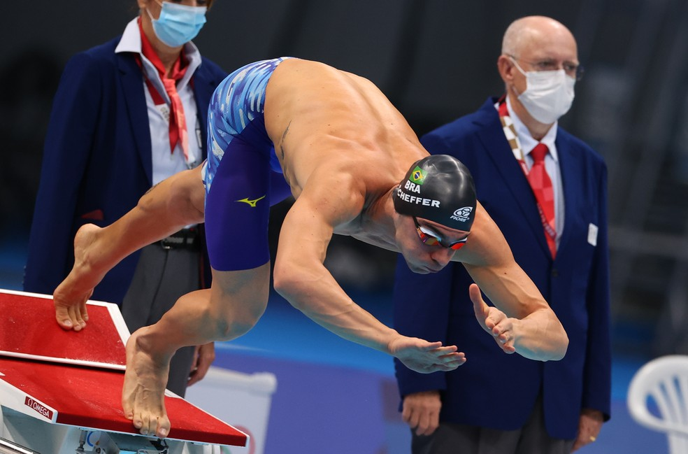 Scheffer pode repetir Gustavo Borges 25 anos depois nos 200m livre — Foto: REUTERS/Marko Djurica